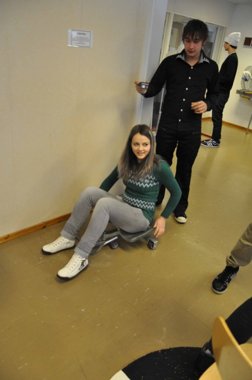 The Swedish and Romanian CREW visit TeknoBalder, half of the CREW students – planetarium and different stations with various activities in Skellefteå, Sweden