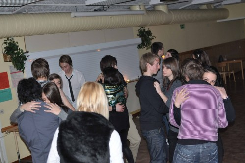 Kanalskolan in Skellefteå, Sweden - the Swedish and Romanian CREW have fun together with dancig, games, etc., that which is typically Swedish