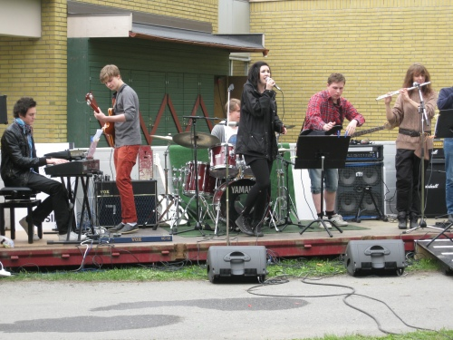 Aestheticians students sang a lot of songs at Anderstorpsskolan's Day 2010 in Skellefteå, Sweden