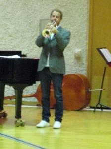 Scholarships 2010 at Anderstorpsskolan in Skellefteå, Sweden. Each grantee was hailed with trumpets.