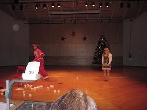 MP-Anderstorpsskolan bjuder på en annorlunda julsaga, julavslutning 2010